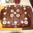 Tjašina mojstrovina - piškotno dno, brownie, čokoladni mousse, temni čokoladni obliv.