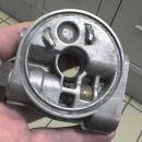 vmesnik za montažo pod oljnim filtrom z odvodi za oljni zunanji hladilnik z termostatom .