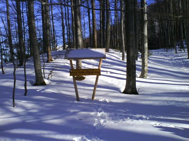... a kdo vidi, kaj piše:-) ...dom Draga Karolina na V.Snežniku