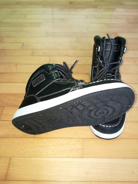 Fila čevlji, št. 37
