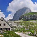 Dom na mangartu