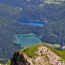 pogled  z mangartskega  sedla na belopeška jezera
