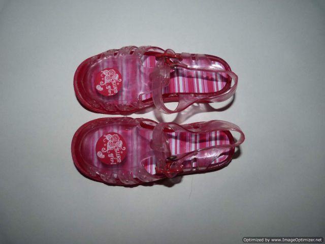 Sandali za v vodo, mothercare 25, UK 8