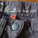 žametne hlače, št. 134  Cena: 4,50 €