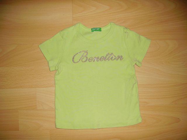 Majčka BENETTON v 82 cena 4 eur oblečena 3-4 krat