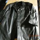 100 % usnjena jakna, 46 velikost, 20 €ur, nabavna cena je bila okrog 200 €ur