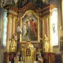 notranjščina cerkve z glavnim oltarjem