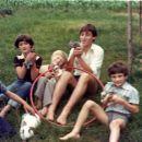 z bratranci, sestrično in zajčki