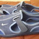 Nike sandali št. 32