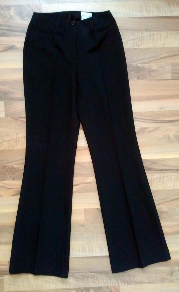 ženske elegantne hlače, črne, 6 eur