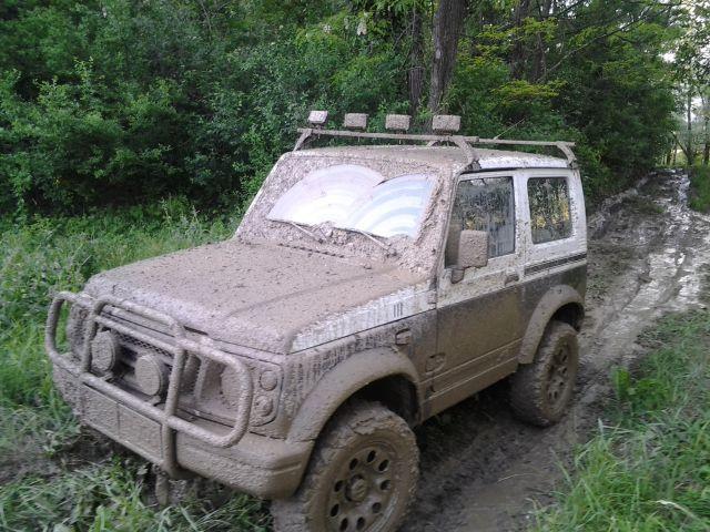 Suzuki get stuck - foto