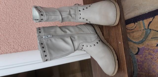 Zimski škornji št. 32 - 6€