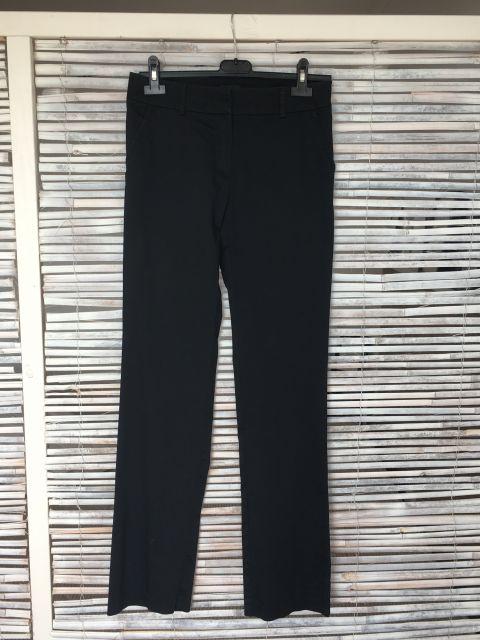 Elegantne črne hlače, vel. 36