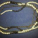 siva črna ogrlica