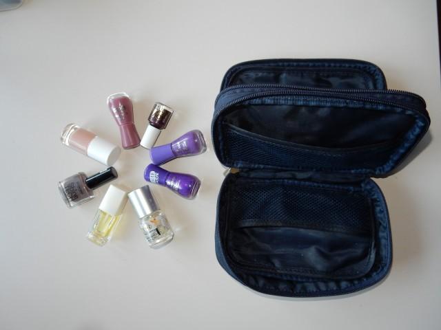 KOZMETIKA ■8 lakov + kozmetična torbica ■KOMPLET