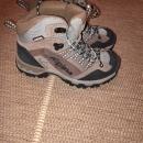 pohodni čevlji št.36