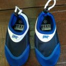 Otroški čevlji za v vodo vel. 24