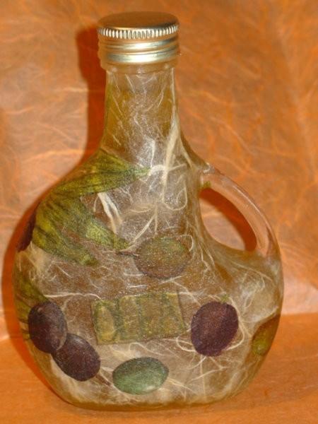 Steklenička še z druge strani