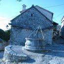 Štirna (vodnjak) pred Kraško hišo