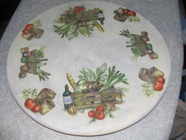 Lesen vrtljiv krožnik, akrilna barva - več plasti različne barve - servietna tehnika.
