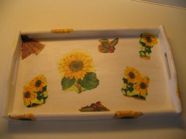 Pladenj, akrilna barva, servietna tehnika - darilo za učiteljico.