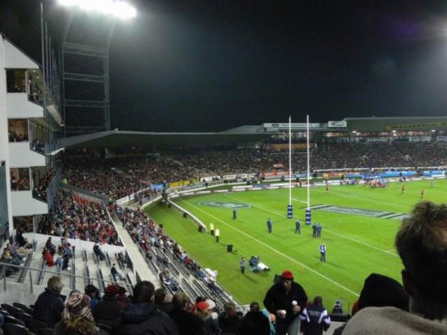 Skoraj poln stadion