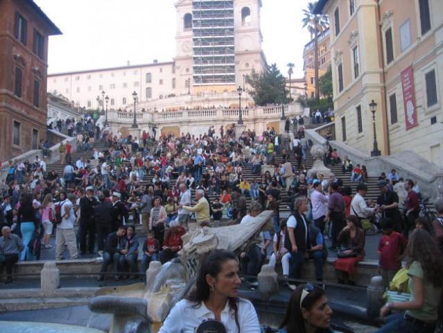 Znamenite Španske stopnice na Španskem trgu v Rimu