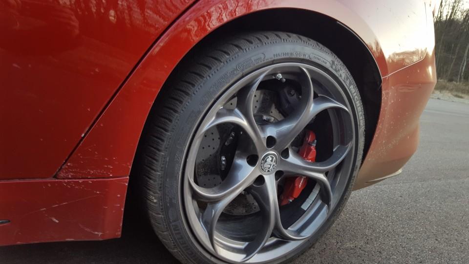 Alfa Romeo GIULIA QV 2,9 V6 (test) - foto povečava