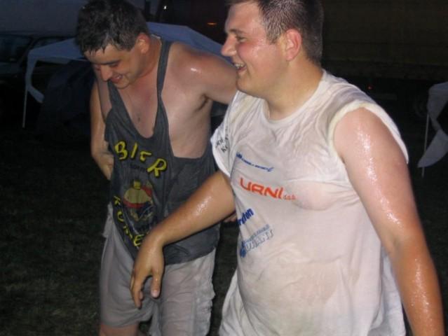 šprical smo se mau .... sej vidte d sta čis suha=)