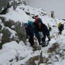 10 cm novo zapadlega snega, je bilo preveč za nadaljevanje ture, pa tud vreme je izgledalo