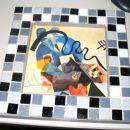 Stekleni mozaik na lesenem okvirju in zafugirano s sivo