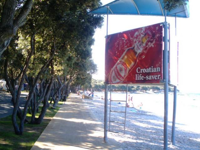 Plaža v Strašku in zanimiva reklama za pivo