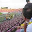 Stadion se je počasi polnil in romunski navijači so nas z zanimanjem opazovali