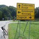 Ali naravnost po bližnjici, ali levo po daljši poti ?