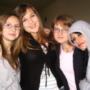 me and my friends - sql (1.b)