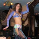 Trebušna plesalka v nekem baru