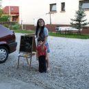 Azrini sestrični sta narisali dobrodošlico!