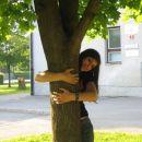 da ne boste misli da mi gre tk slabo da drevo objemam;)