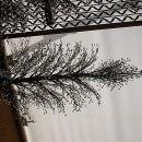drevo okrašen z mozaik ogledalčki...