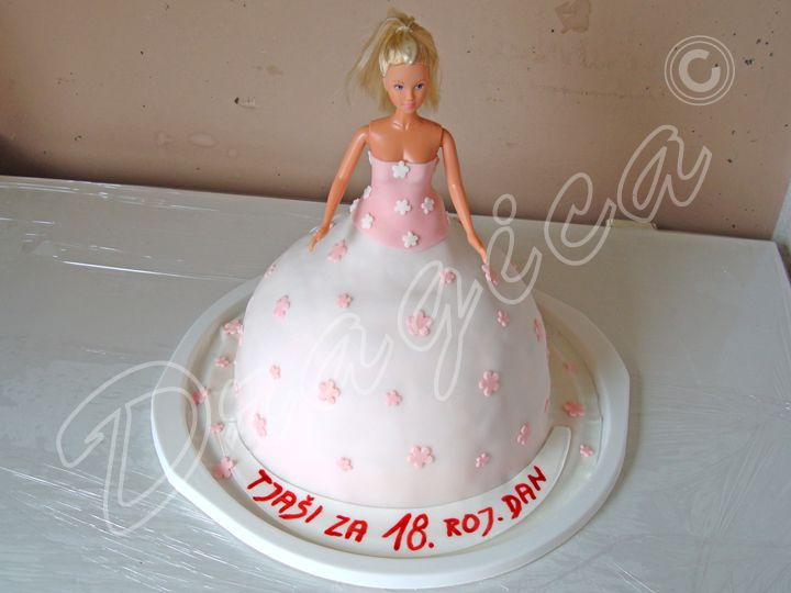 Cake Design Torta Barbie : Torta Decorada Barbie Escuela Princesas Tortas Cakes ...