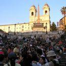 Piazza di Spagna - Španske stopnice. Kadar prideš sem, so vedno polne turistov, podnevi in