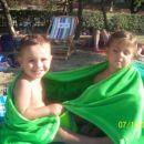 Bratec Taid je star 2 in jaz, Sija že 4 leta.