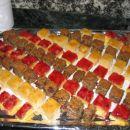 Po receptih s tečaja... jagodne rezine, višnjeva grenivka in ananasova pita